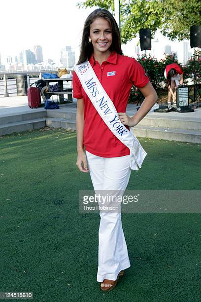 Kaitlin Monte Ms New York for America attends USO to Honor Memory of September 11th Heroes with 9/11 Remembrance Walk on September 10 2011 in New...