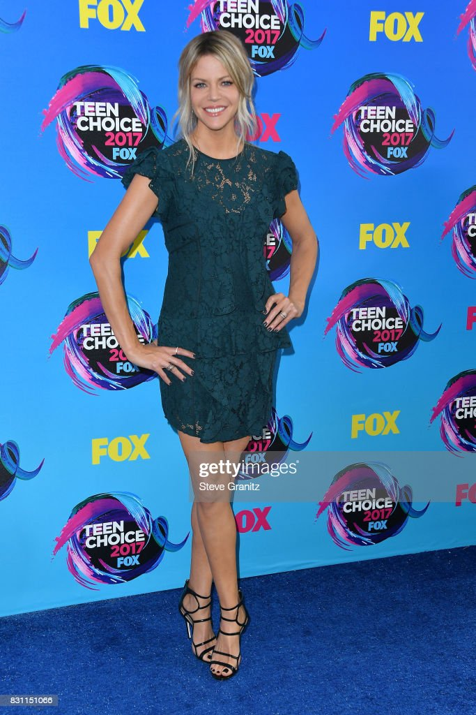 Kaitlin Olson attends the Teen Choice Awards 2017 at Galen Center on August 13, 2017 in Los Angeles, California.