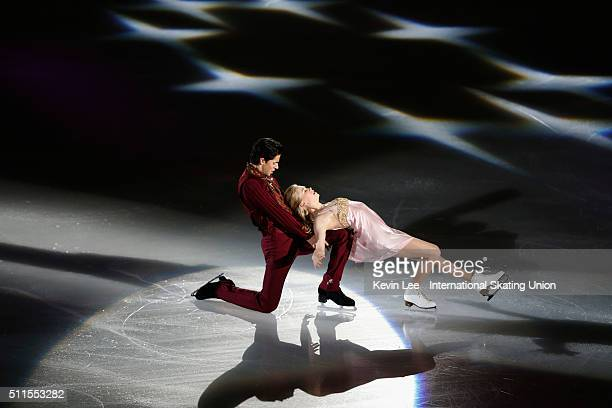Kaitlyn Weaver and Andrew Poje of Canada performs at the Gala Exhibition on day four of the ISU Four Continents Figure Skating Championships 2016 at...
