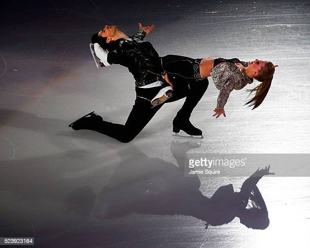 Kaitlyn Weaver and Andrew Poje perform during an exhibition on day 3 of the 2016 KOSE Team Challenge Cup at Spokane Arena on April 24 2016 in Spokane...