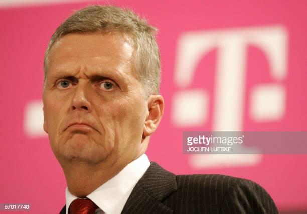 Kai-Uwe Ricke, chairman of Europe's biggest telecommunications group Deutsche Telekom, gives a press conference 07 March 2006 in Hanover in...