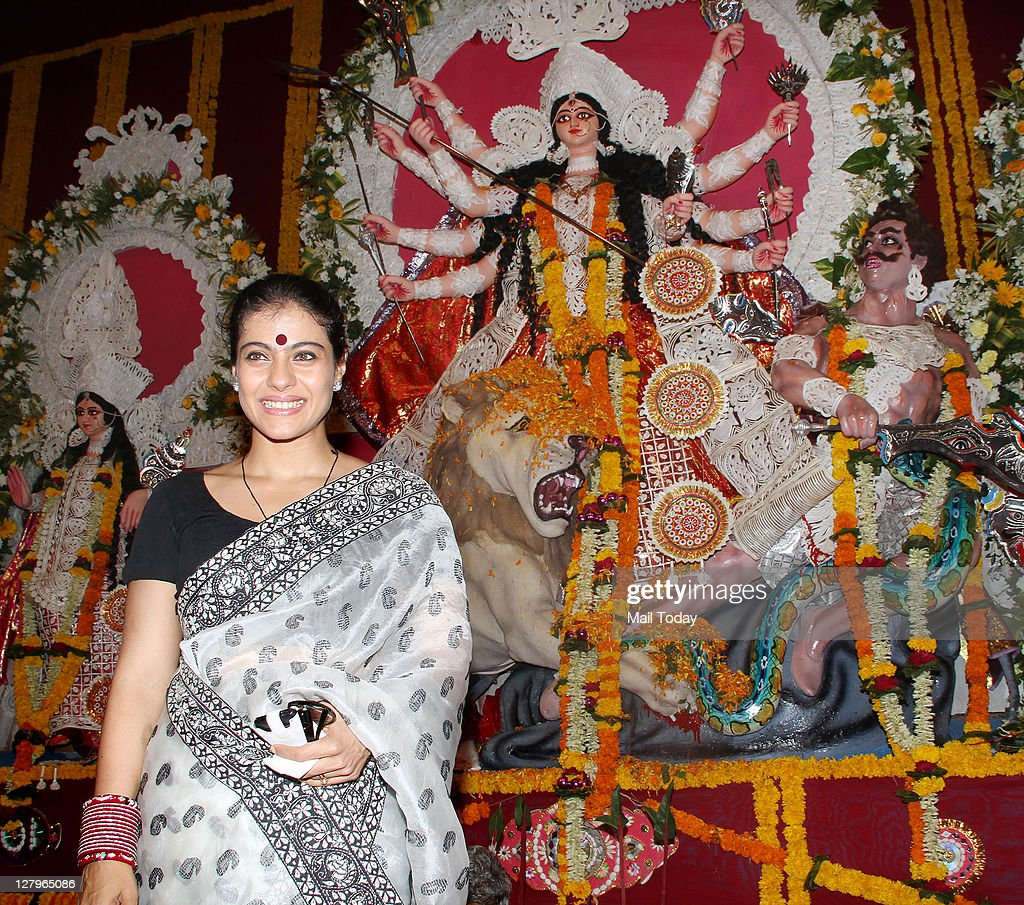 Kajol arrives to celebrate `Durga Puja` at Balkanji Bari Santacruz Mumbai on Monday 3rd October 2011
