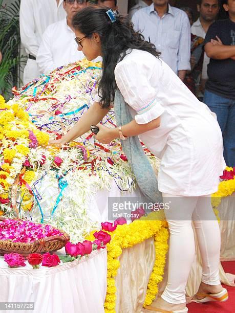 Kajol at Joy Mukherjee's funeral ceremony held at Andheri Mumbai