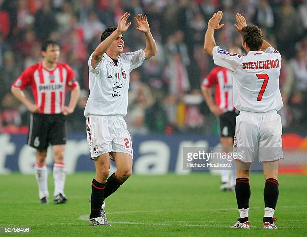 Kaka of Milan celebrates their goal with Andriy Shevchenko during the UEFA Champions League Semi Final 2nd Leg match between PSV Eindhoven and AC...