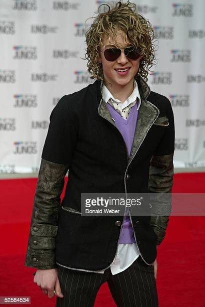 Kalan Porter Canadian Idol winner arrives to the 2005 Juno Awards ceremony on April 3 2005 in Winnipeg Canada The Juno Awards are the main Music...