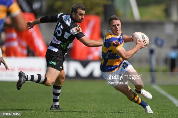 Kaleb Trask of Bay of Plenty makes a break during the round 8 Mitre 10 Cup match between Bay of Plenty and Hawke's Bay at Tauranga Domain on November...