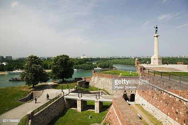 kalemegdan citadel and victory mounument - belgrade stock pictures, royalty-free photos & images