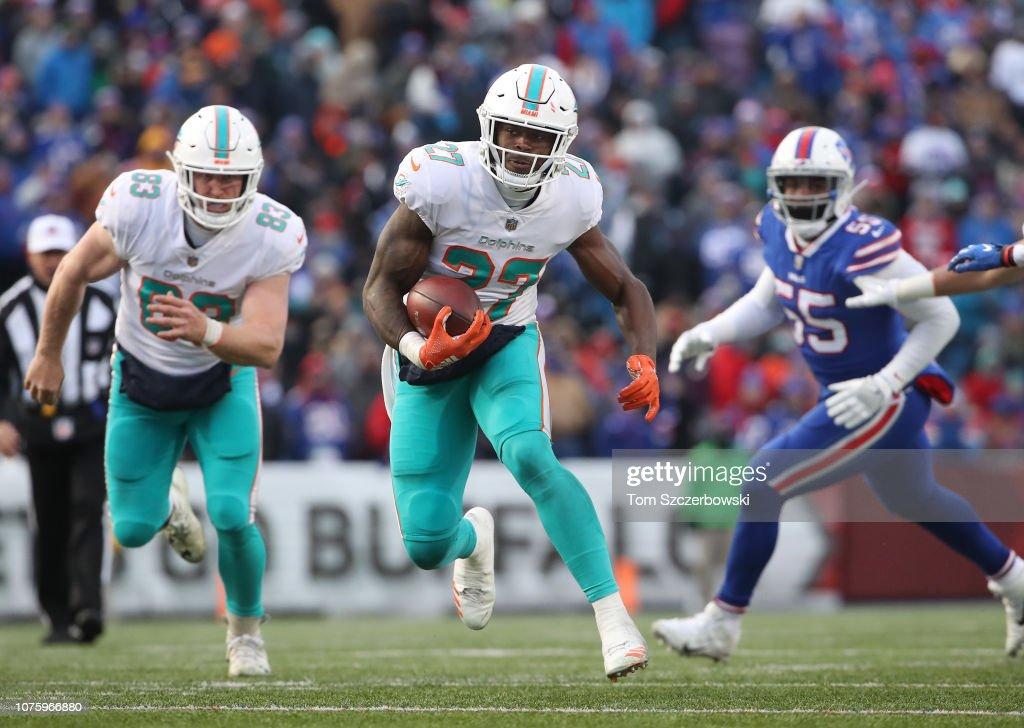 Miami Dolphins v Buffalo Bills : News Photo