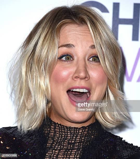 Kaley Cuoco poses at the People's Choice Awards 2016 at Microsoft Theater on January 6 2016 in Los Angeles California