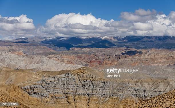 Kali Gandaki gorge landscape w Nyi La