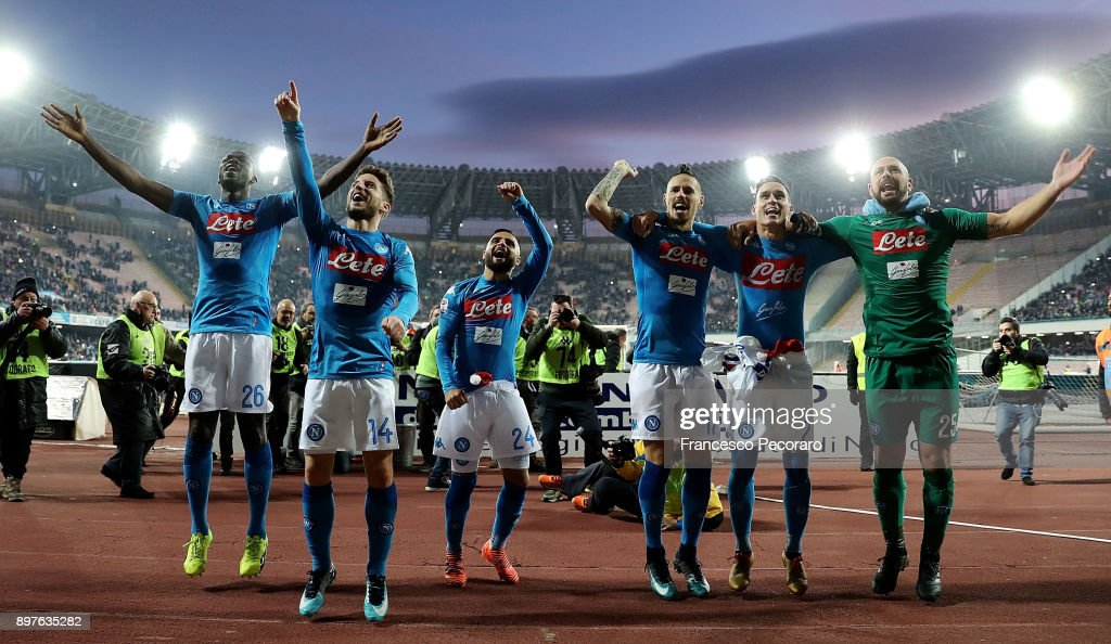 Kalidou Koulibaly, Lorenzo Insigne, Jose Calleon, Dries Mertens, Pepe Reina and Marek Hamsik celebrate the victory after the serie A match betweenSSC Napoli and UC Sampdoria at Stadio San Paolo on December 23, 2017 in Naples, Italy.
