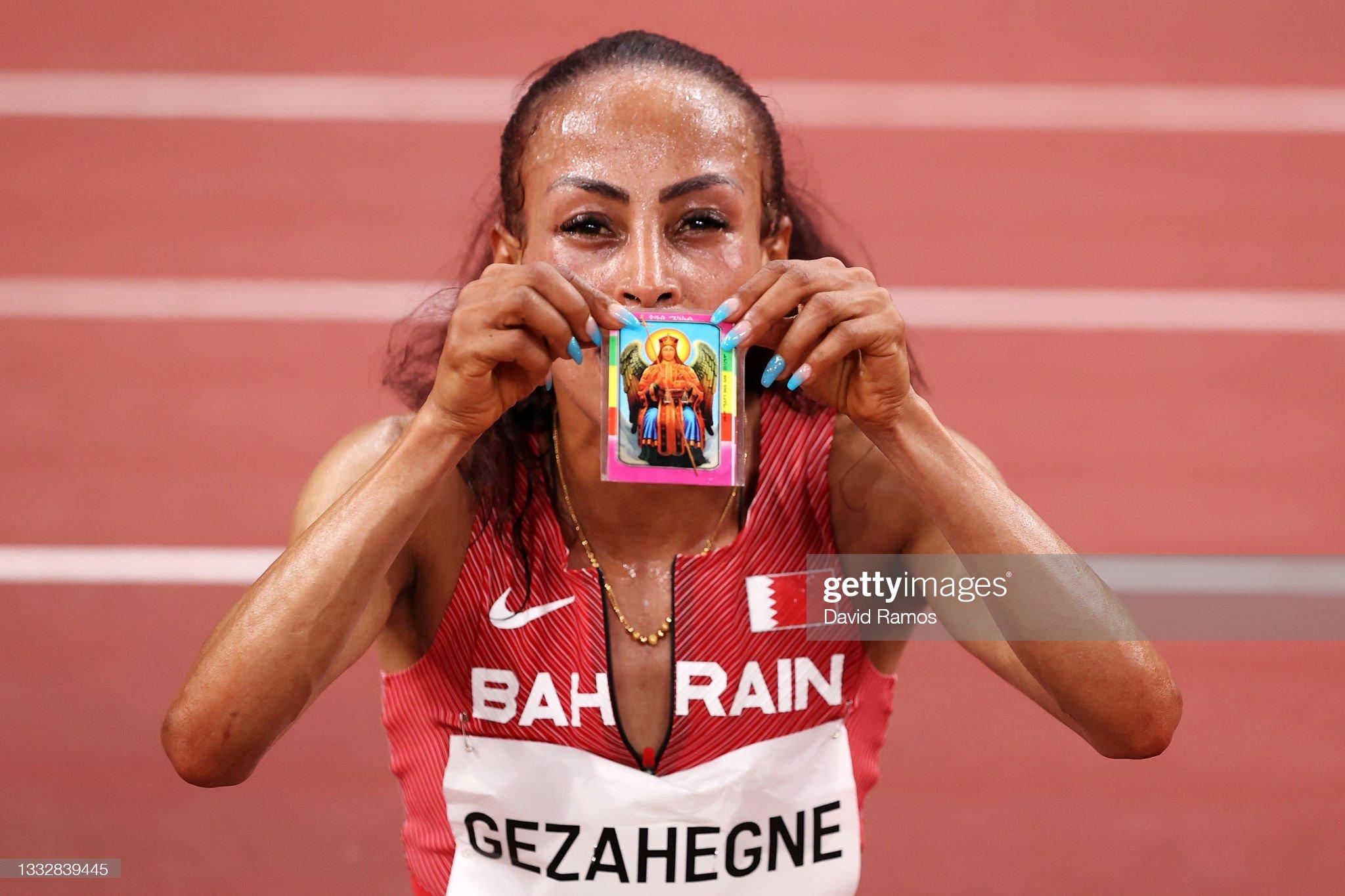 RELIGION: ¿Eres creyente?  Kalkidan-gezahegne-of-team-bahrain-celebrates-as-she-wins-the-silver-picture-id1332839445?s=2048x2048