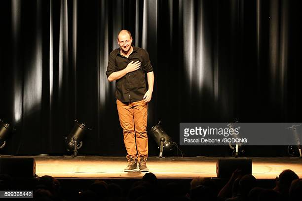 kallagan. mont-blanc humour festival 2015. - stand up comedian stock pictures, royalty-free photos & images