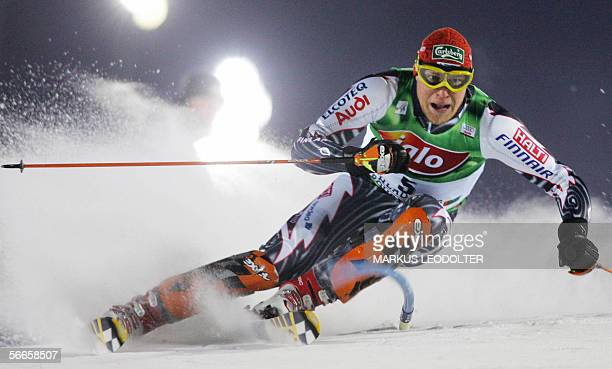 Kalle Palander of Finland competes in the first run of night slalom during the men's FIS World cup in Schladming 24 January 2006. AFP PHOTO/MARKUS...