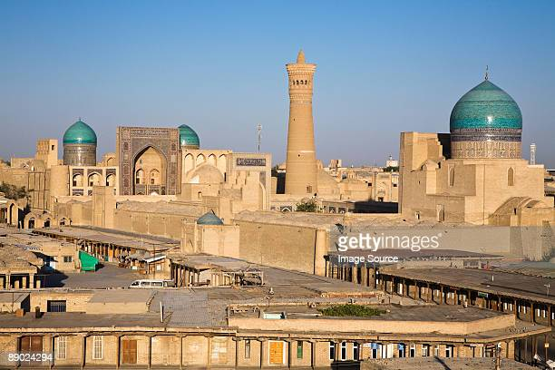 kalon minaret and mosque in bukhara - oezbekistan stockfoto's en -beelden