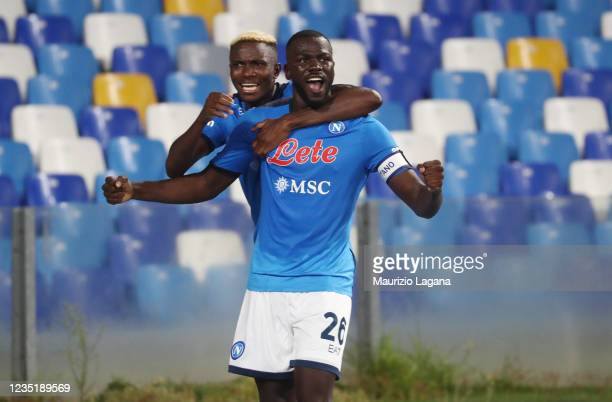 Kaludou Koulibaly of Napoli celebrates his team's winning goal during the Serie A match between SSC Napoli and Juventus at Stadio Diego Armando...