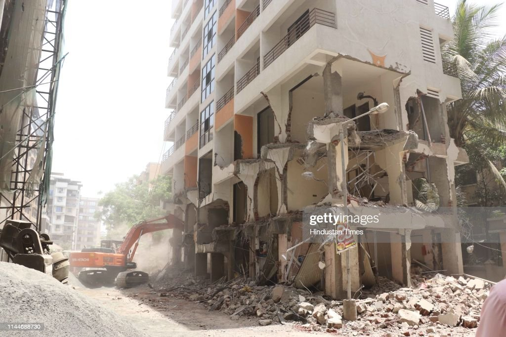 IND: KDMC Demolished Seven Storage Illegal Buildings