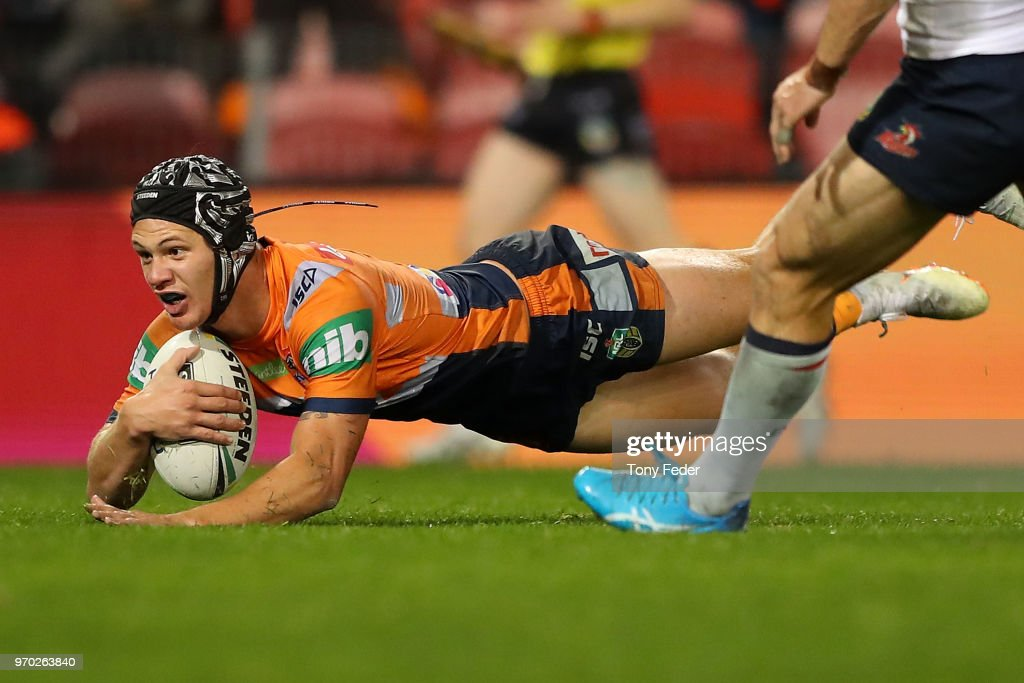 Kalyn Ponga of the Knights scores a try during the round 14 NRL match between the Newcastle Knights and the Sydney Roosters at McDonald Jones Stadium on June 9, 2018 in Newcastle, Australia.
