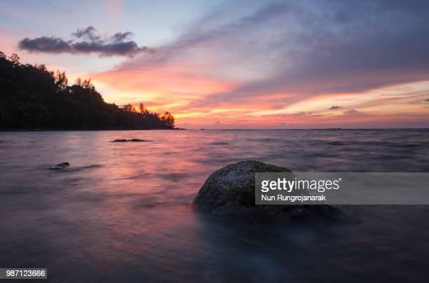 kamala sunset - nun stock-fotos und bilder