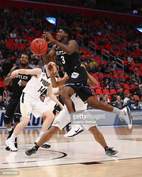 Kamar Baldwin of the Butler Bulldogs drives to the basket during the second half against the Purdue Boilermakers in the second round of the 2018 NCAA...