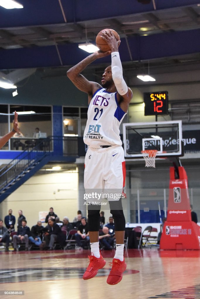 Kamari Murphy #21 of the Long Island Nets shoots the ball against the Oklahoma City Blue at NBA G League Showcase Game 18 on January 12, 2018 at the Hershey Centre in Mississauga, Ontario Canada.