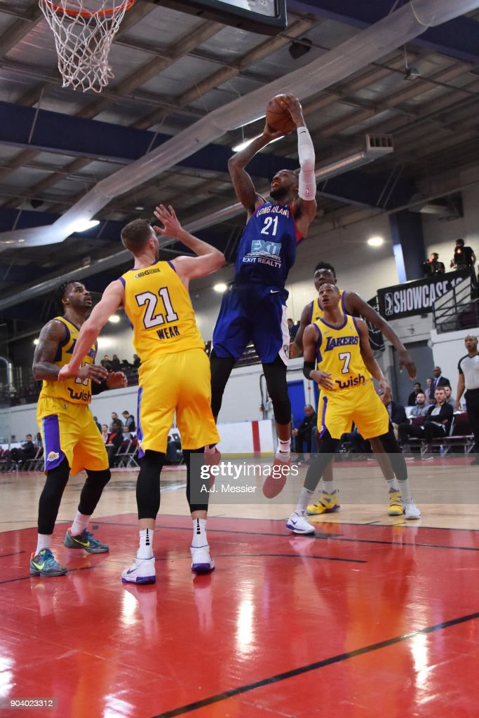 Kamari Murphy #21 of the Long Island Nets shoots the ball during the game against the South Bay Lakers at the NBA G League Showcase Game 11 on January 11, 2018 at the Hershey Centre in Mississauga, Ontario Canada.