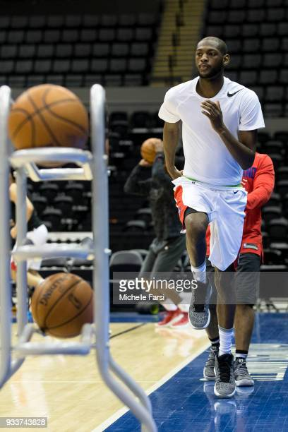 Kamari Murphy of the Long Island Nets warms up before the game against the Greenboro Swarm on March 18 2018 at NYCB Live Home of the Nassau Veterans...