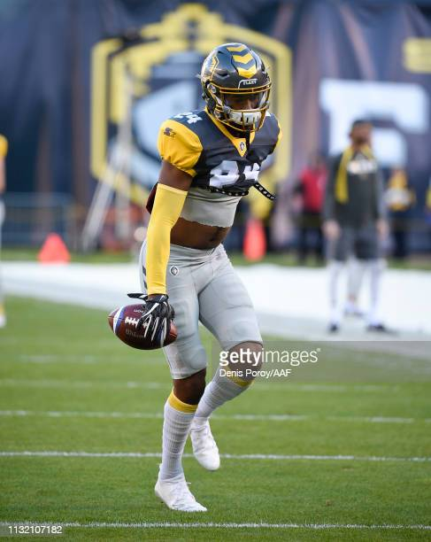 Kameron Kelly of the San Diego Fleet participates in warmups prior to an Alliance of American Football game against the San Antonio Commanders at...