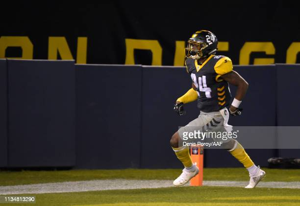 Kameron Kelly of the San Diego Fleet runs in for a touchdown during the fourth quarter of the Alliance of American Football game against the Salt...