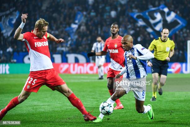 Kamil Glik of Monaco and Yacine Brahimi of Porto during the Uefa Champions League match between Fc Porto and As Monaco at Estadio do Dragao on...