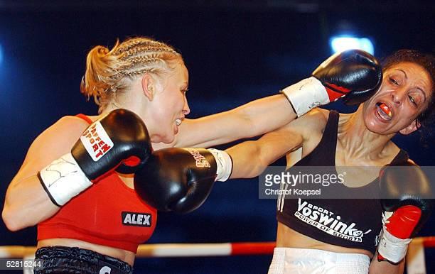 Kampf 2003 im Fliegengewicht Essen Regina HALMICH/GER Nadja LORITZ/GER Siegerin Regina HALMICH