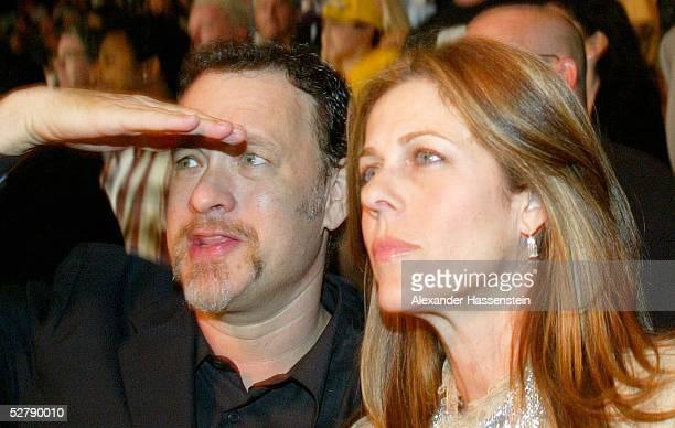 Kampf 2003, Schwergewicht, Los Angeles; Vitali KLITSCHKO/UKR - Lennox LEWIS/GBR; Schauspieler Tom HANKS mit Frau Rita WILSON