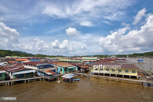 kampong ayer floating village, sungai brunei. - bandar seri begawan stock photos and pictures