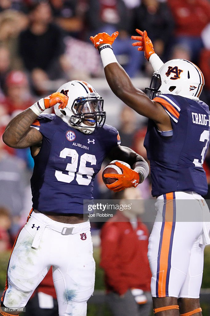 Arkansas v Auburn : News Photo
