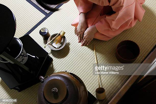 Kana Wasai prepares tea during a tea ceremony class by Yumiko Takada on November 2 2014 in Tokyo Japan Kana Wasai has been practising the art of tea...