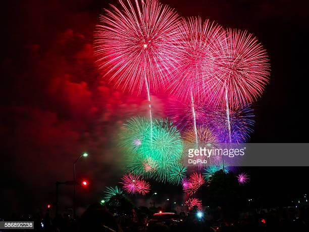 kanagawa shimbun fireworks festival 2016 - kanagawa prefecture stock pictures, royalty-free photos & images