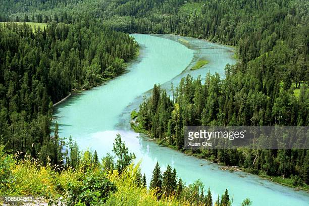 kanas river, xinjiang, china - frische stockfoto's en -beelden
