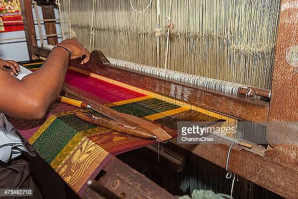 kanchipuram, tamil nadu, india - weaving the famous brightly coloured kanchipuram silk sari on a handloom. - sari stock pictures, royalty-free photos & images