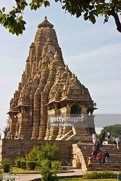 kandariya mahadeva temple, khajuraho, chhatarpur district, madhya pradesh, india - khajuraho stock pictures, royalty-free photos & images