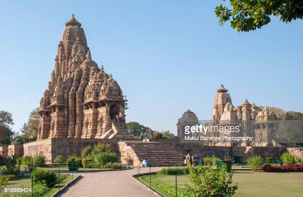 kandariya mahadeva temple, khajuraho, india - khajuraho stock pictures, royalty-free photos & images