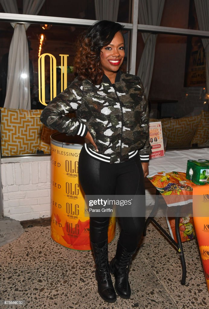 Kandi Burruss attends Kandi Cares Foundation Thanksgiving Blessings Collection Day Food Drive at Old Lady Gang on November 17, 2017 in Atlanta, Georgia.