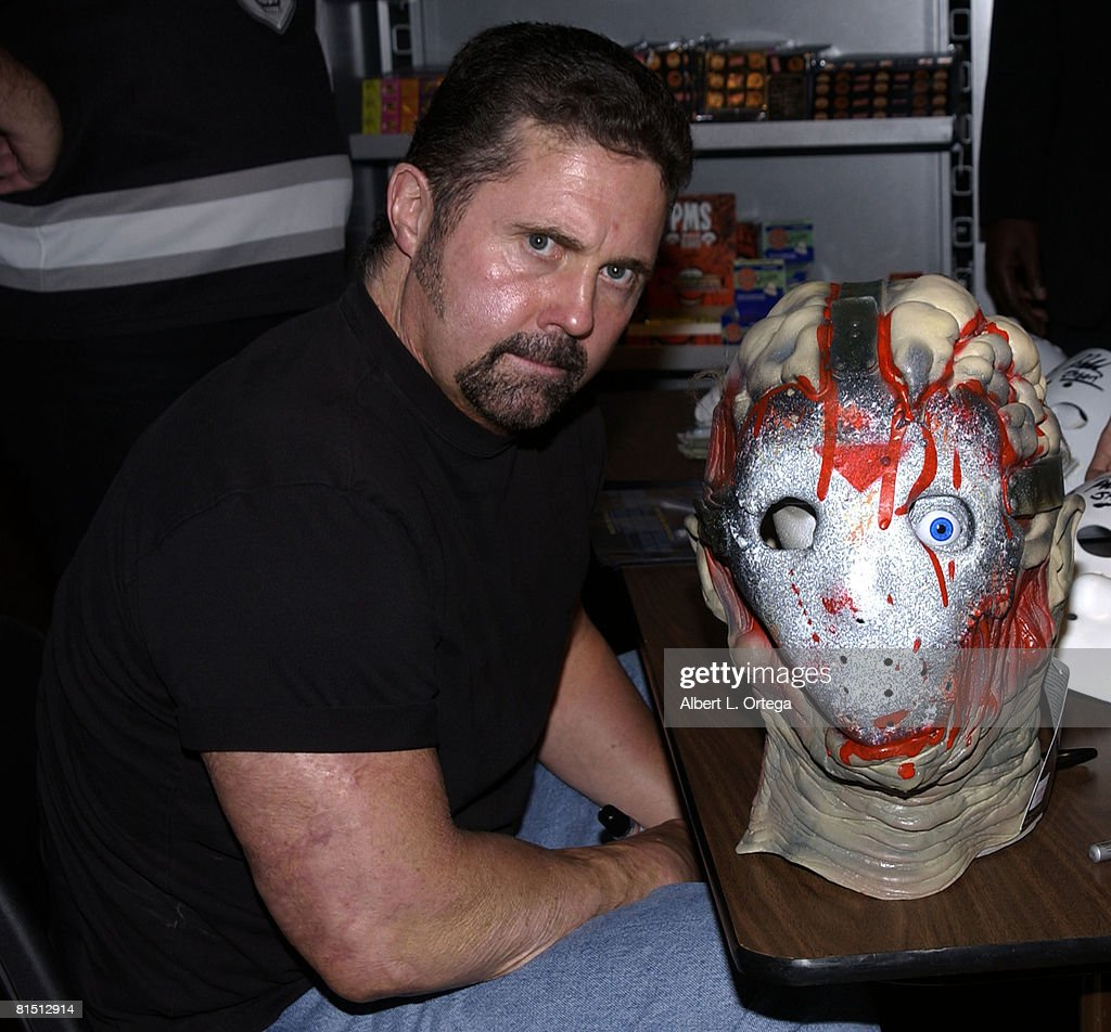 "Kane Hodder Promotes His New Film ""Jason X"" with an In-Store Signing : News Photo"