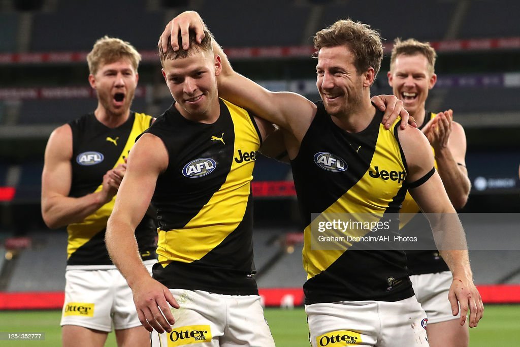 AFL Rd 5 - Melbourne v Richmond : News Photo