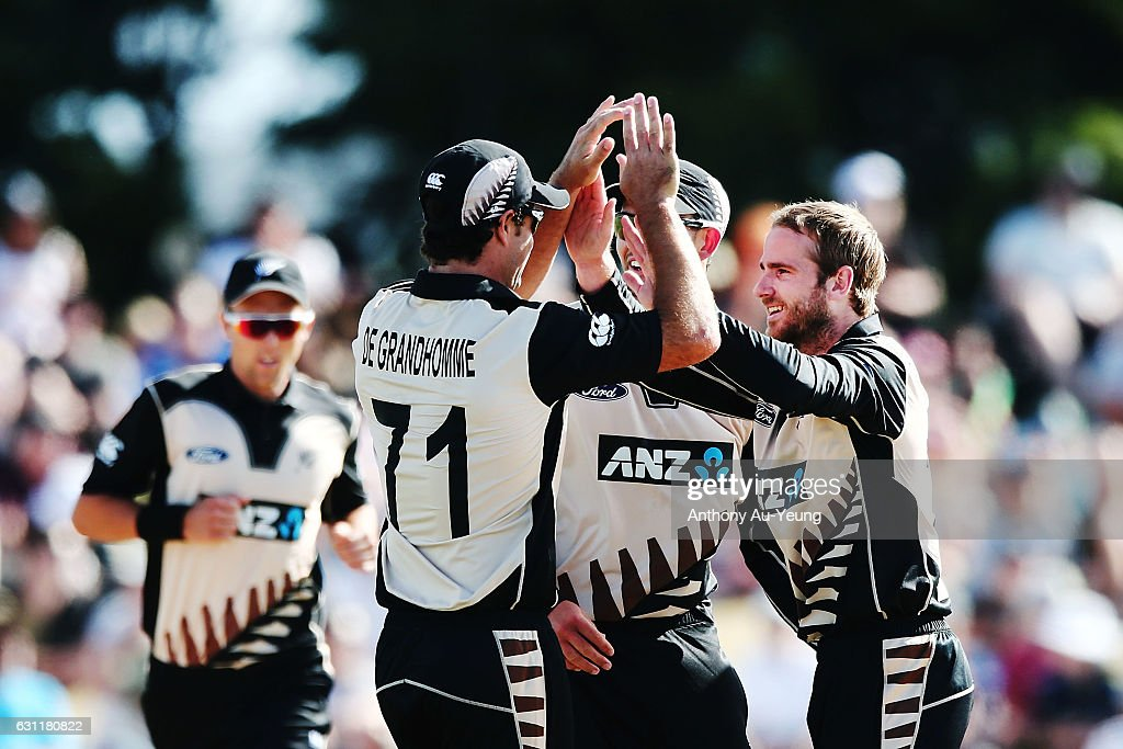 New Zealand v Bangladesh - 3rd T20 : News Photo