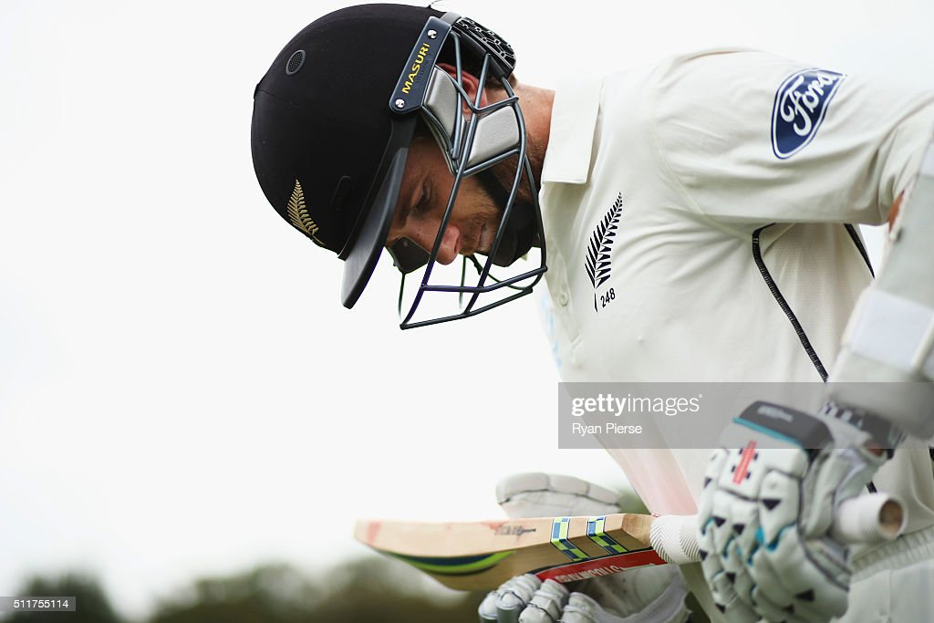 Kane Williamson of New Zealand walks out to bat during day four of the Test match between New Zealand and Australia at Hagley Oval on February 23, 2016 in Christchurch, New Zealand.