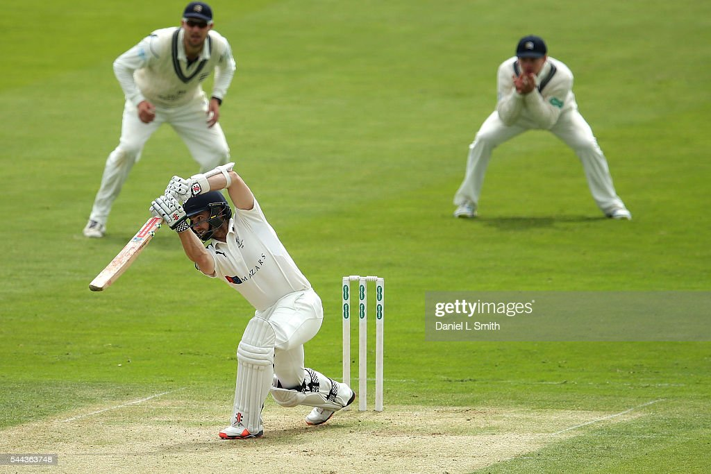 Yorkshire v Middlesex: Specsavers County Championship - Division One : News Photo