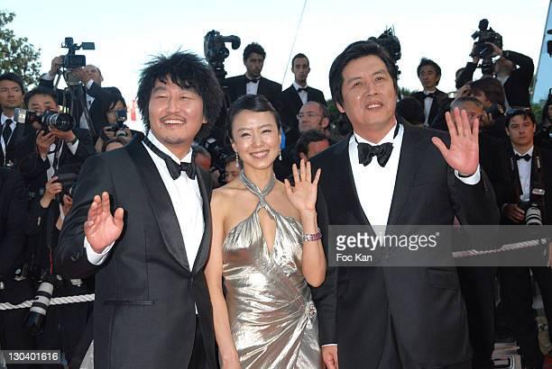 Kang Ho Song Do Yeon Jeon and Director Lee Chang Dong