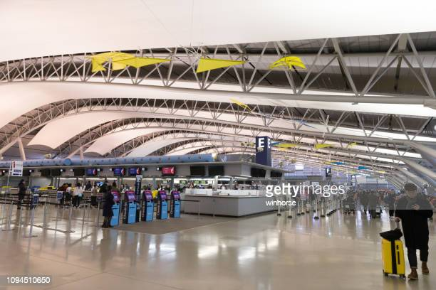 kansai international airport in japan - region kinki stock-fotos und bilder