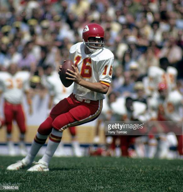 Kansas City Chiefs Hall of Fame quarterback Len Dawson during a preseason game in 1972