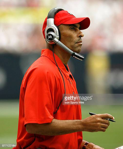 Kansas City Chiefs head coach Herm Edwards during game action between the Kansas City Chiefs and the Houston Texans Sept 9 2007 at Reliant Stadium in...